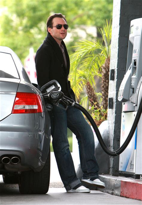 17 Celebrities Pumping Gas - Celebrity Style, Fashion