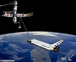 The Shuttle Atlantis Docking in Space Pictures - Freaking News