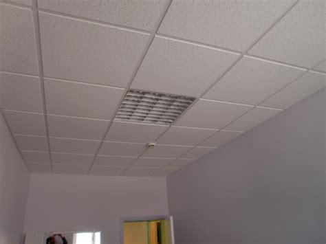 Plafond Suspendu Neon  Maison & Travaux