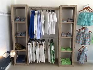 Kleiderschrank Mit Fächern : bauholz kleiderschrank mit f chern und stange bauholz m bel ~ Markanthonyermac.com Haus und Dekorationen