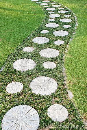curving stepping stone path   garden royalty
