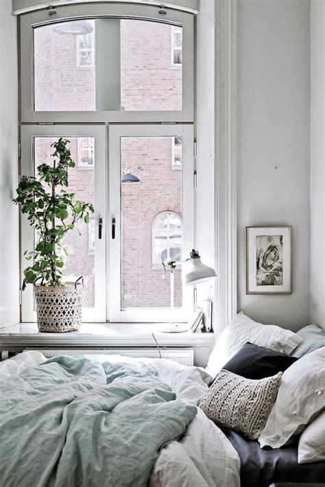 Small Bathroom Window Curtains Australia by 40 Minimalist Bedroom Ideas Less Is More Homelovr