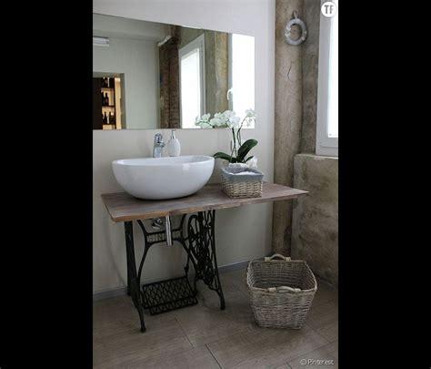 deco chambre anglaise décoration shabby une salle de bain avec des meubles de récup