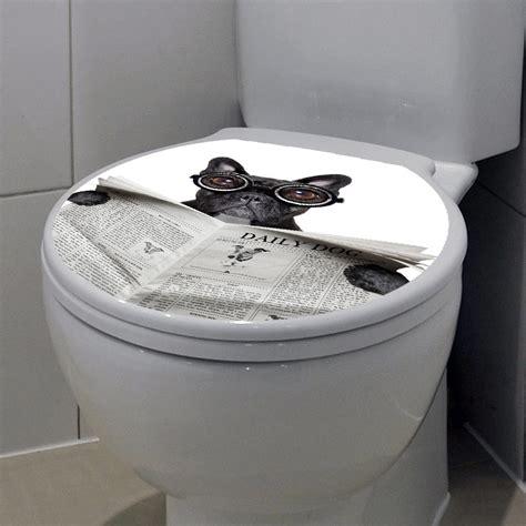 sticker abattant toilette chien avec un journal et des lunettes stickers toilettes abattants