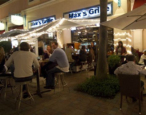 review  maxs grille  restaurant  plaza real