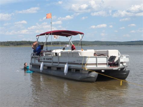 Pontoon Boat Horn Location by Labor Day Weekend Pontoon Forum Gt Get Help With Your