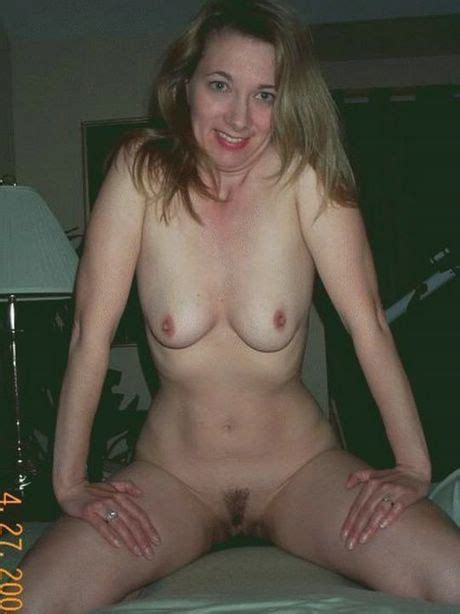A Real Hot Mom Totally Nude And Looking Horny