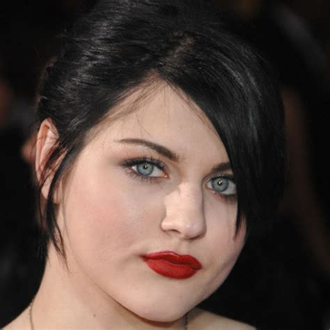 frances bean cobain visual artist biography