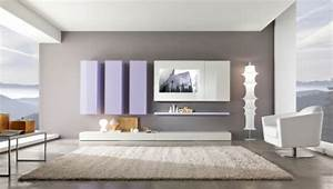 Wandgestaltung mit grauer und weisser farbe grosses teppich for Balkon teppich mit tapeten streifen farbe wandgestaltung