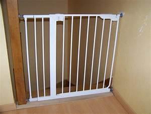 Barriere De Securite Escalier : barriere escalier bebe ~ Melissatoandfro.com Idées de Décoration