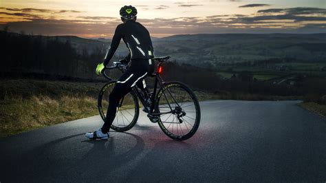 bike wear buyer 39 s guide the best reflective cycling clot