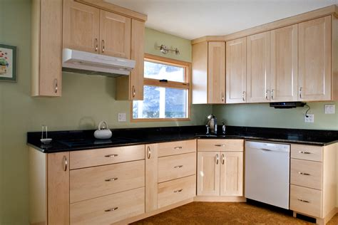 What Color Walls With Honey Maple Cabinets What Color