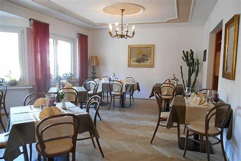 Hotel, Restaurant & Bar  Zum Stern In Algund, Südtirol