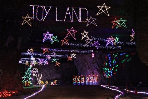 lights under louisville mephistos