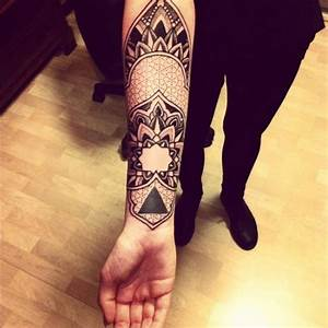 Tattoo Streifen Arm : 101 impressive forearm tattoos for men ~ Frokenaadalensverden.com Haus und Dekorationen