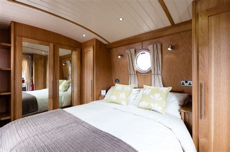 luxury widebeam canal boat  hire