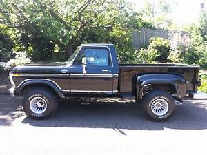 Sell Used 1978 Ford F150 Lariat Stepside 4x4 Pickup 43k
