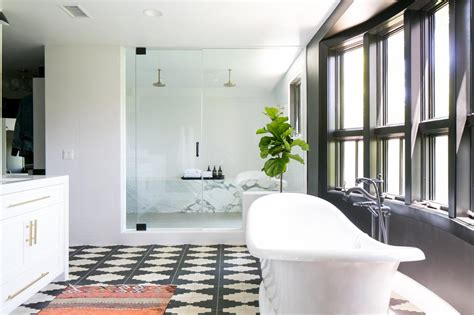 Black And White Spa Bathroom With Geometric Floor Hgtv
