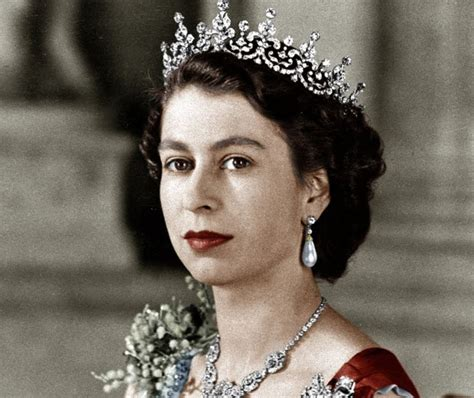 Queen Elizabeth Ii  A Life Full Of Success And Shocking