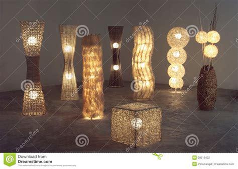 Heel Wat Verlicht Staand Lampen Die Van Rotan, Bamboe En