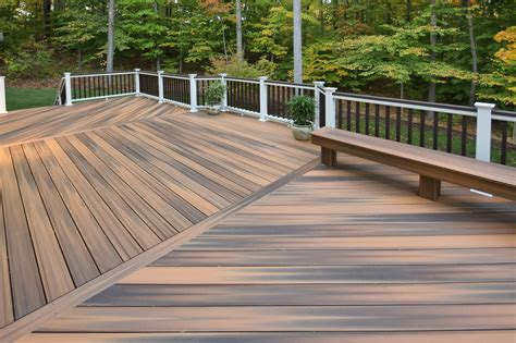 decking   apply deck board spacing   outdoor