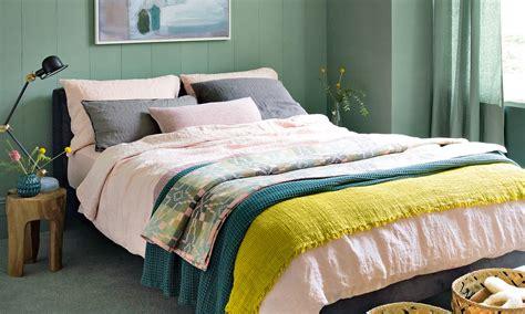 Small Bedroom Design Ideas