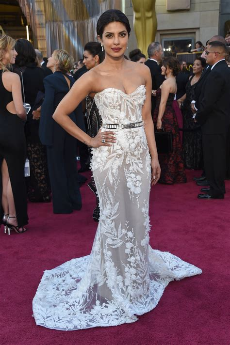 robe de tapis see pics priyanka chopra s oscars 2016 jewels worth 8 million hindustan times