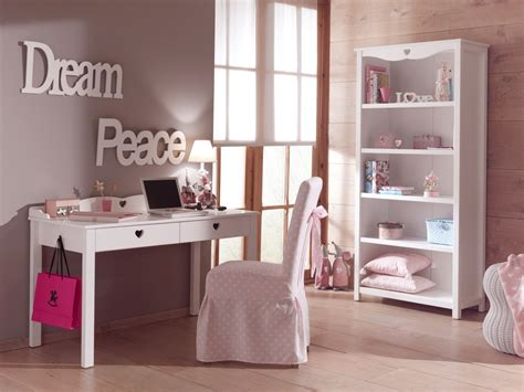 accessoires bureau enfant bureau enfant fille chambre emile au style so romantique