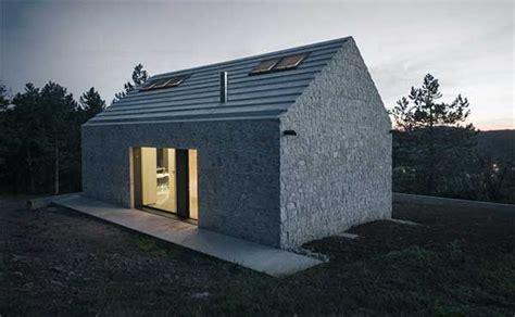 Moderne Häuser Ohne Dachüberstand by Modernes Monolithisches Kleines Haus Ohne Dach 252 Berstand