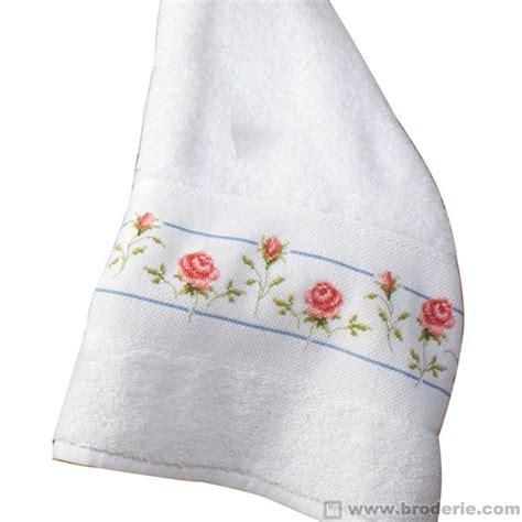 serviette de toilette 224 broder la maison du canevas et