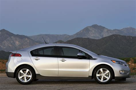akerson looking for 20 percent more range from next chevy volt w autoblog