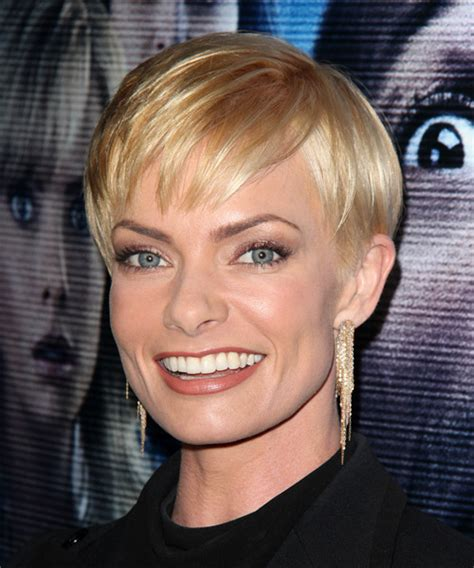 jaime pressly formal short straight hairstyle  layered