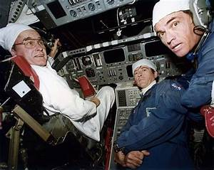 George H.W. Bush in the cockpit of Space Shuttle Columbia ...