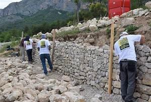 Construire Un Mur En Pierre : alpes de haute provence l 39 art de construire des murs en ~ Melissatoandfro.com Idées de Décoration