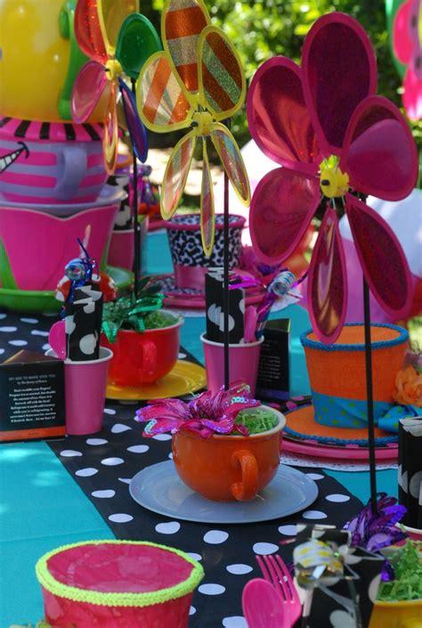 alice  wonderland mad hatter table decorations designed