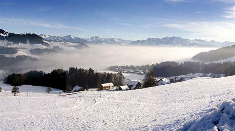 Richtung süden liegt italien und im westen frankreich. TOP 5 Skigebiete Schweiz - Grüezi im Winterwunderland ...