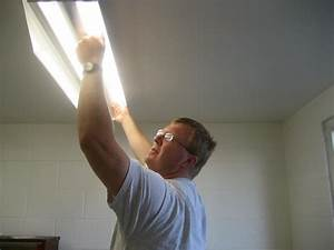 Fluorescent lighting how to change a light