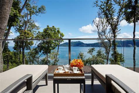 5 เหตุผลที่จะทำให้คุณอยากมาดื่มด่ำวันพักผ่อนริมทะเลในฝันที่
