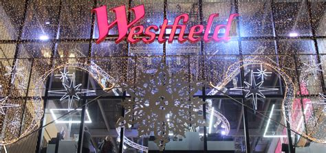 christmas decorations in wandswarth shopping centre london westfield stratford at sweetpea
