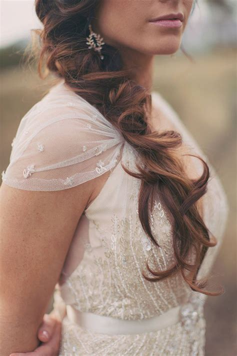 Messy Hair Don't Care! 16 Messy Bridal Hairstyles That