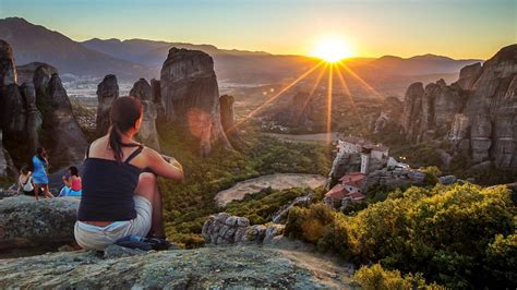 Majestic Sunset on Meteora Rocks Tour - METEORA.com
