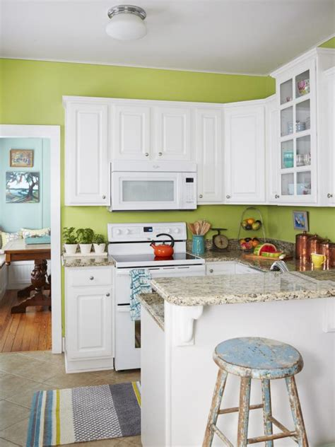 cottage style 101 with hgtv 1919 cottage makeover hgtv