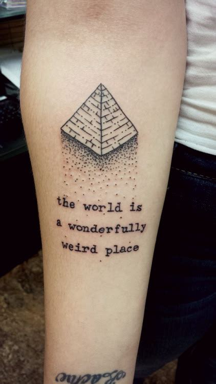 pyramid tattoos designs ideas  meaning tattoos