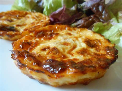 mini quiches sans p 226 te saumon fum 233 poireau