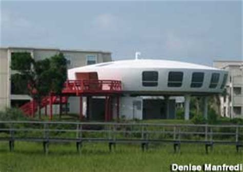 garden city sc spaceship house