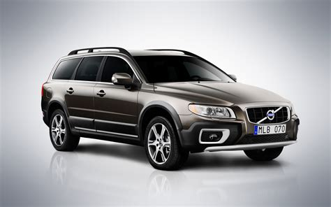 The other big news for 2012 s80 models is that they now come standard with city. 2012 Volvo S80, V70 and XC70