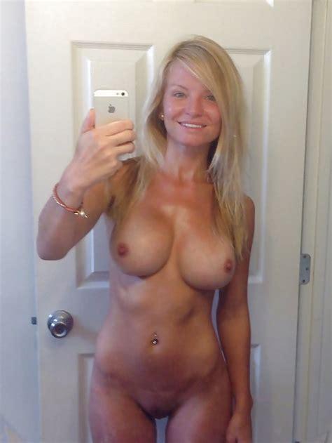 MILF And Hot Mom Selfies II Pics XHamster