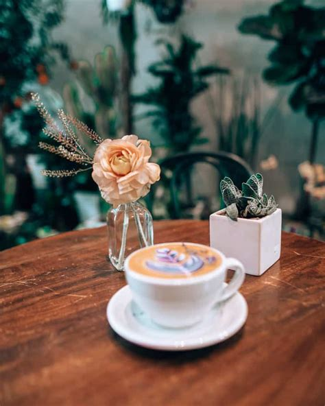 Here are 12 coffee shops in nyc to stop for your daily dose of caffeine, no matter what neighborhood you're in, from downtown to uptown, and everywhere in between. 16 of the Cutest Cafes in NYC : Coffee Shops in New York ...