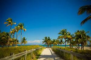 Top 10 South Florida Beaches with Playgrounds | South ...