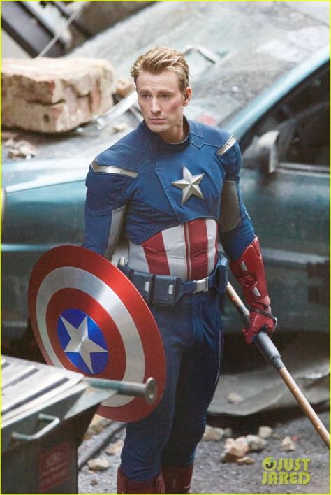 captain america evans chris suit clean avengers shaven line throwback clue provide could story shave feededigno